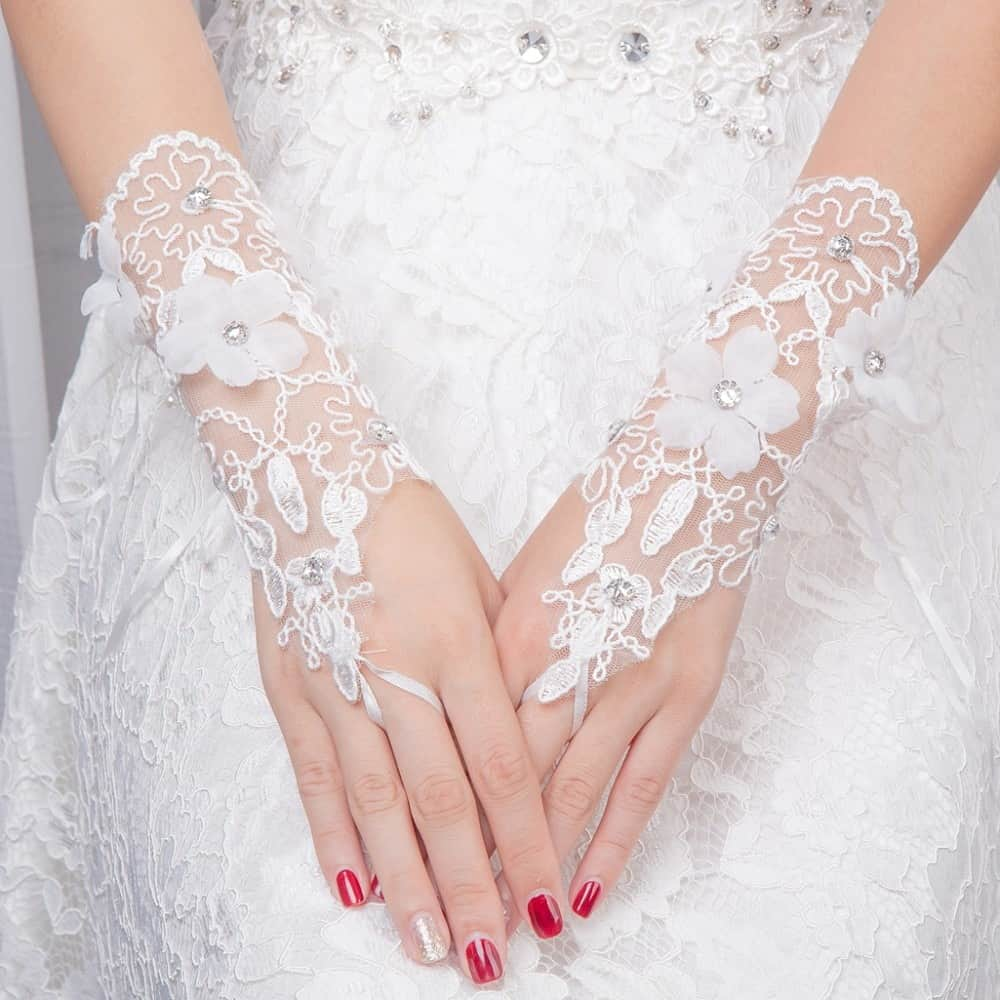 عروس عيون مصر2019_أجمل تصاميم قفازات