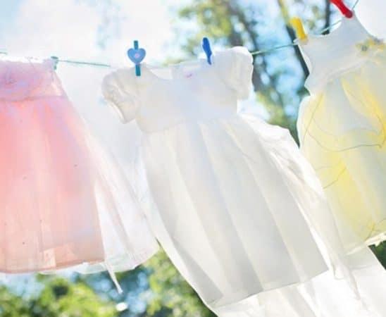طرق تنظيف ذهبية لملابس ناصعة البياض