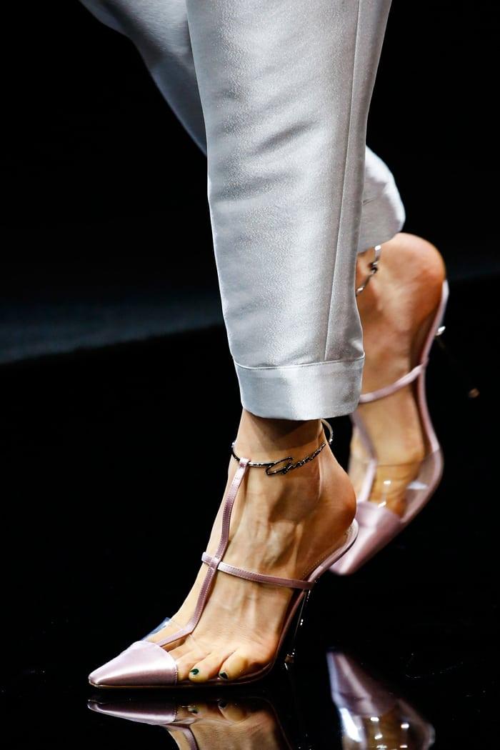 a17072b74 الوسوم: أجمل أحذية الكعب العاليأحدث موضة أحذية 2019أحذية بنات موضةأحذية  سهرةأحذية عصرية
