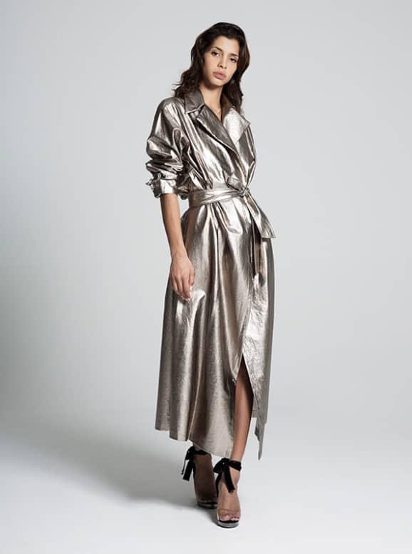 فستان حديث وجريء