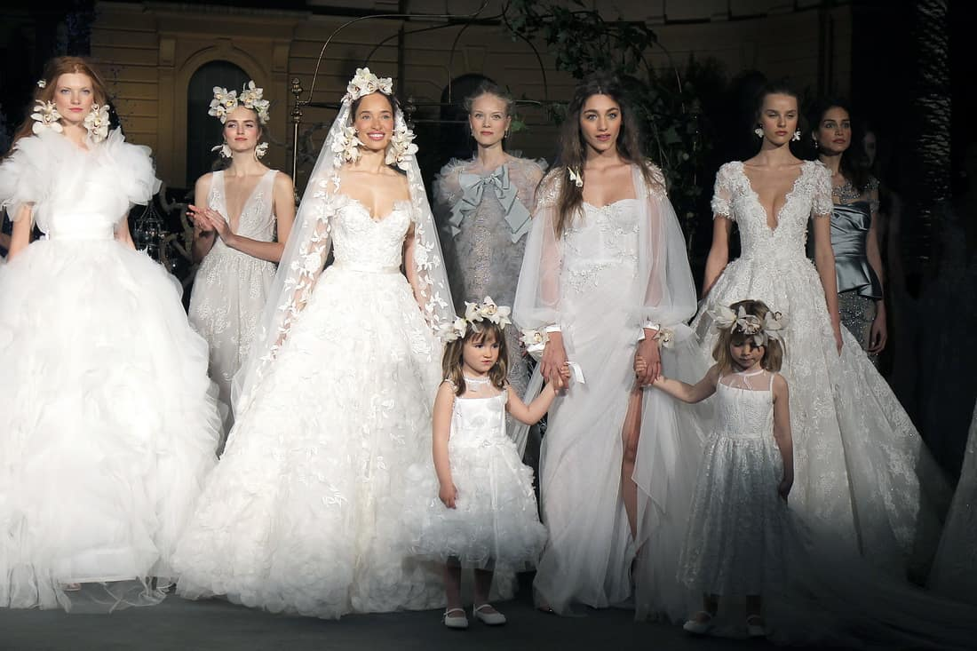 تصاميم رومنسية لفساتين زفاف ماركة ماركيزا Marchesa