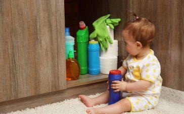 تسمم الأطفال بمواد التنظيف