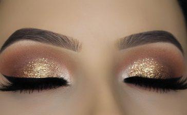 طرق بسيطة لتطبيق مكياج عيون ملون