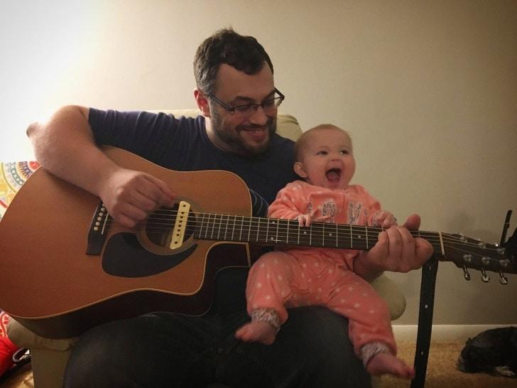 التواصل لإنهاء بكاء الرضيع