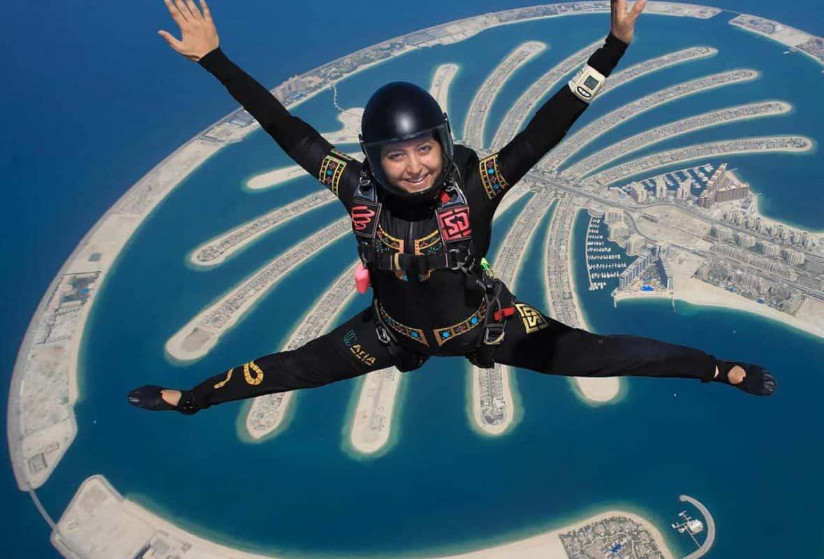 اماكن سياحيه في دبي : سكاي دايف دبي