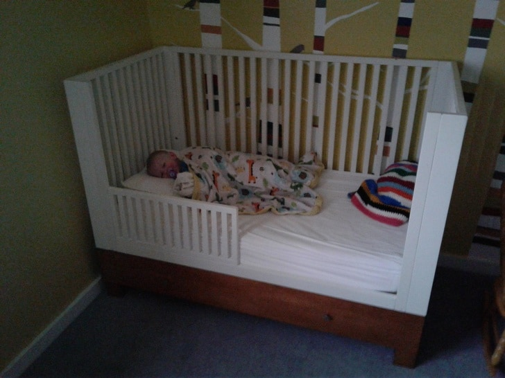 الإضاءة المناسبة لنوم الرضيع