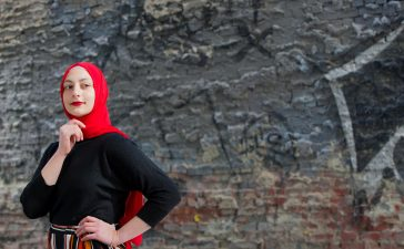 تشكيلة راقية من فساتين المحجبات بأنامل المصممين العرب