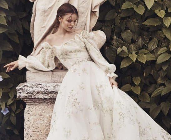فساتين الزفاف بصيحة الأكمام المنفوشة