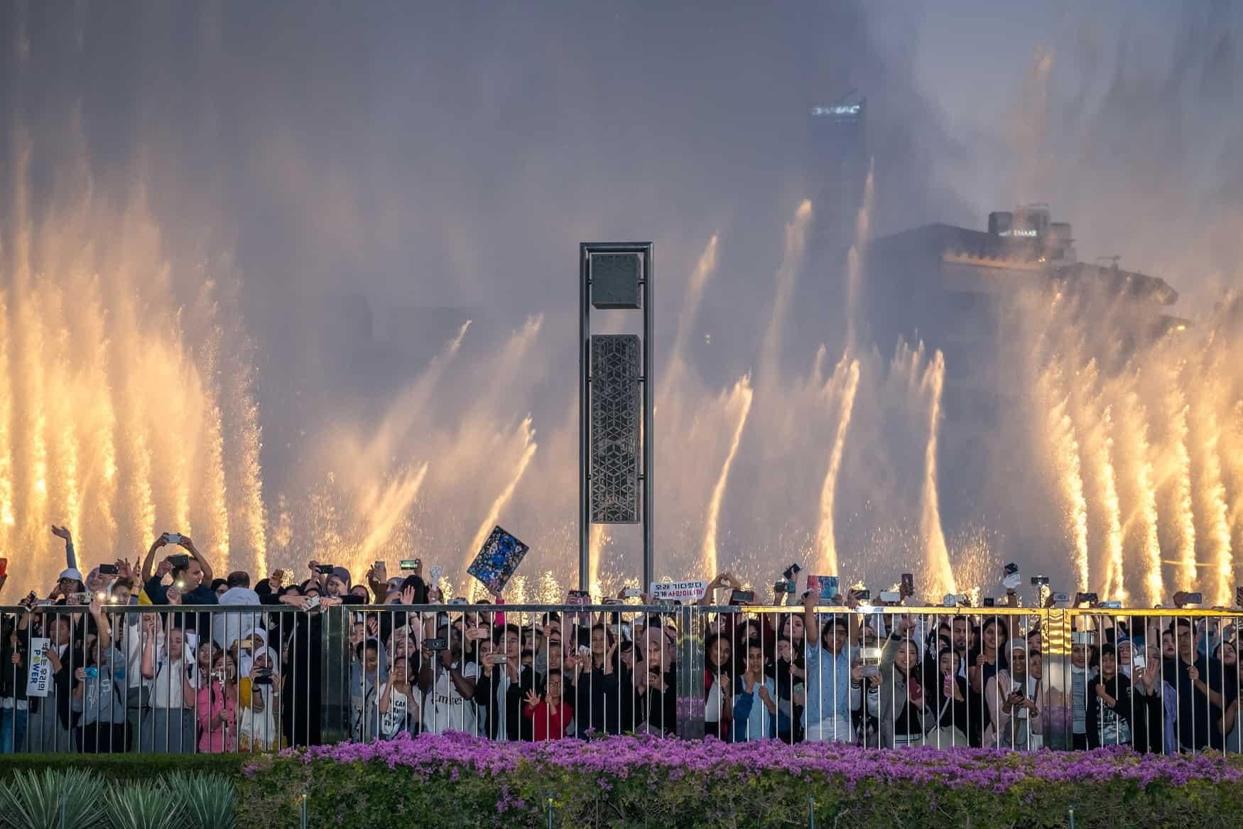 نافورة دبي تفاصيل تحبس الأنفاس