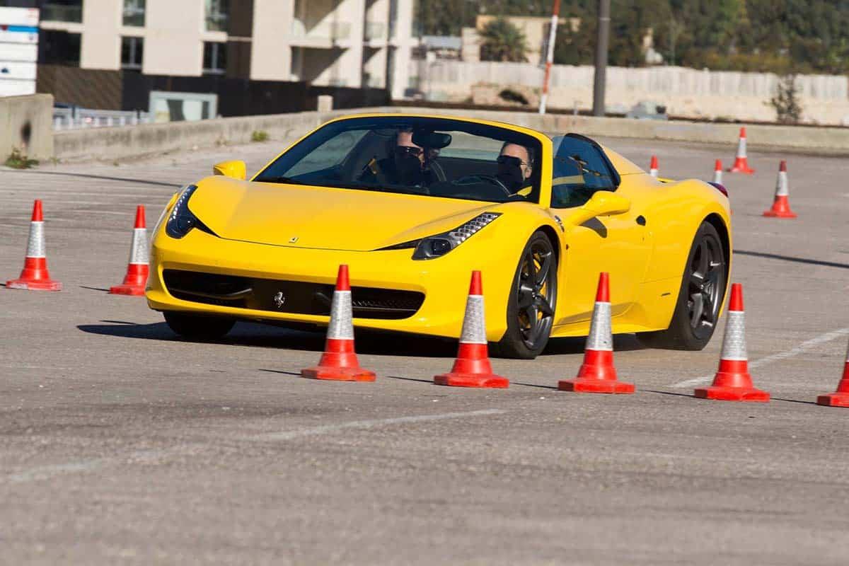 اسئلة الاختبار النظري لرخصة القيادة في دبي : موقع الاختبار النظري
