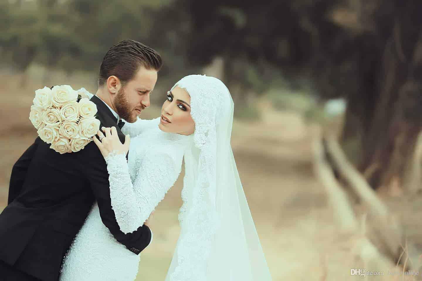تشكيلة فخمة من فساتين الزفاف