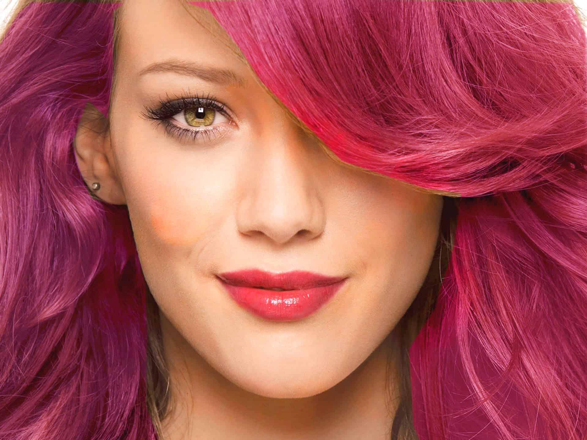 حيل منزلية للتخلص من صبغة الشعر باللون الأحمر