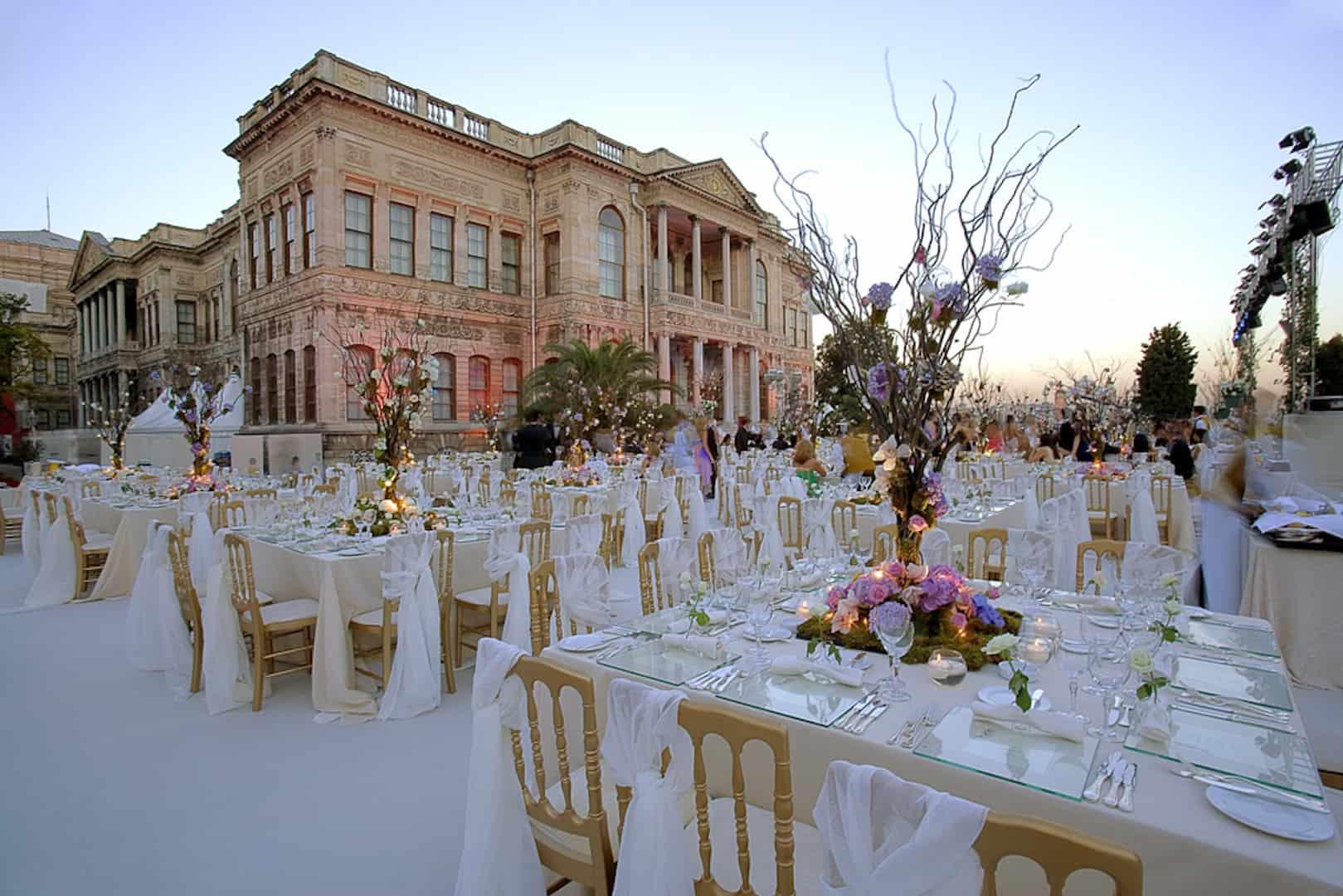 كيف تنظمين حفل زفاف بطابع شخصي مميز