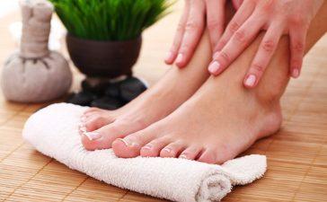 علاجات فعالة لتشقق القدمين