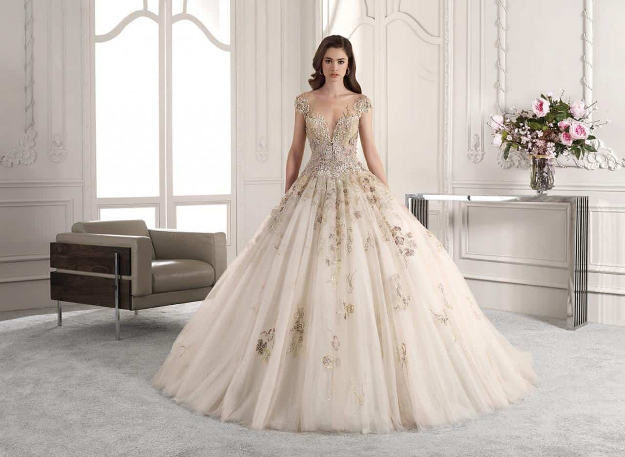 أحدث فساتين الزفاف لهذه الصائفة فكوني ملكة الحفل