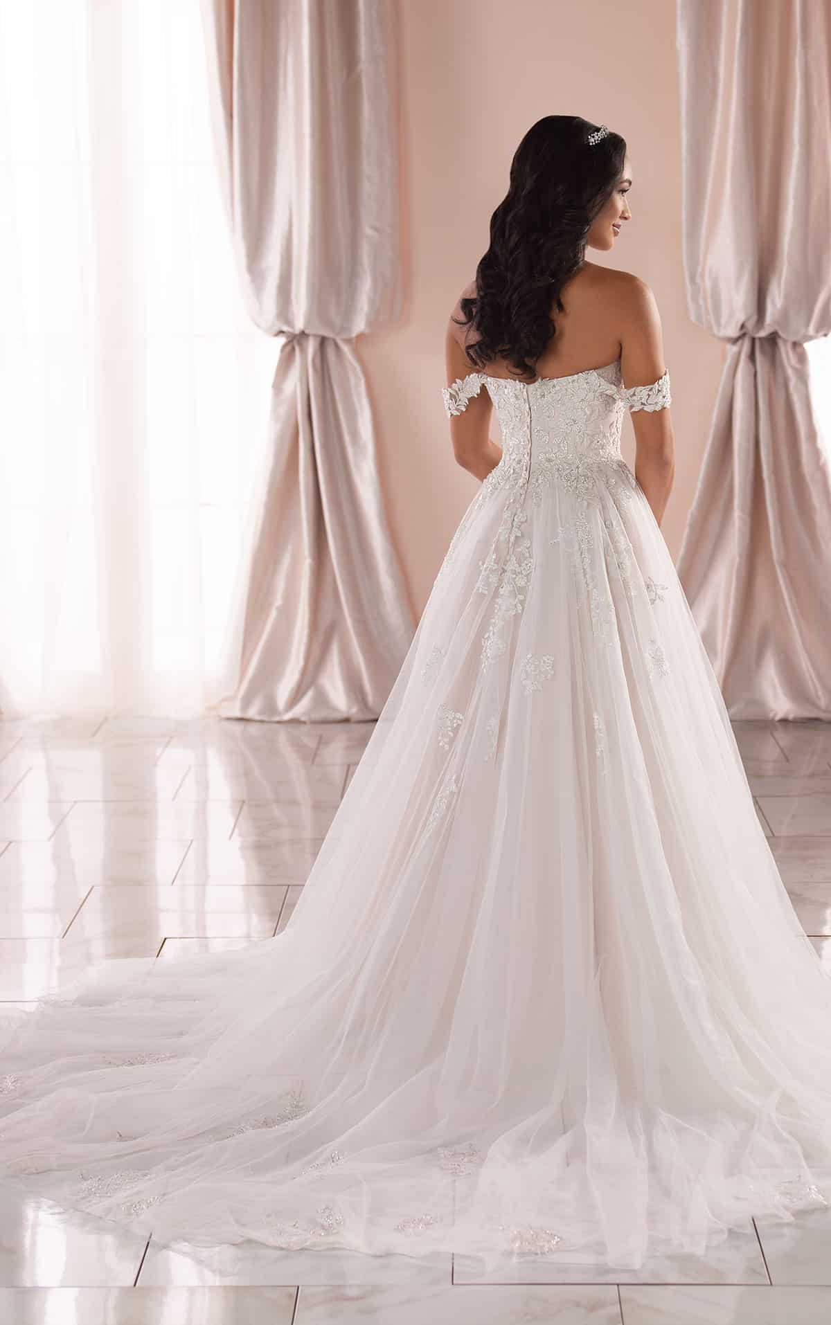 """فستان زفاف ألفرد سانغ لعروس 2020 """"Stella York"""""""