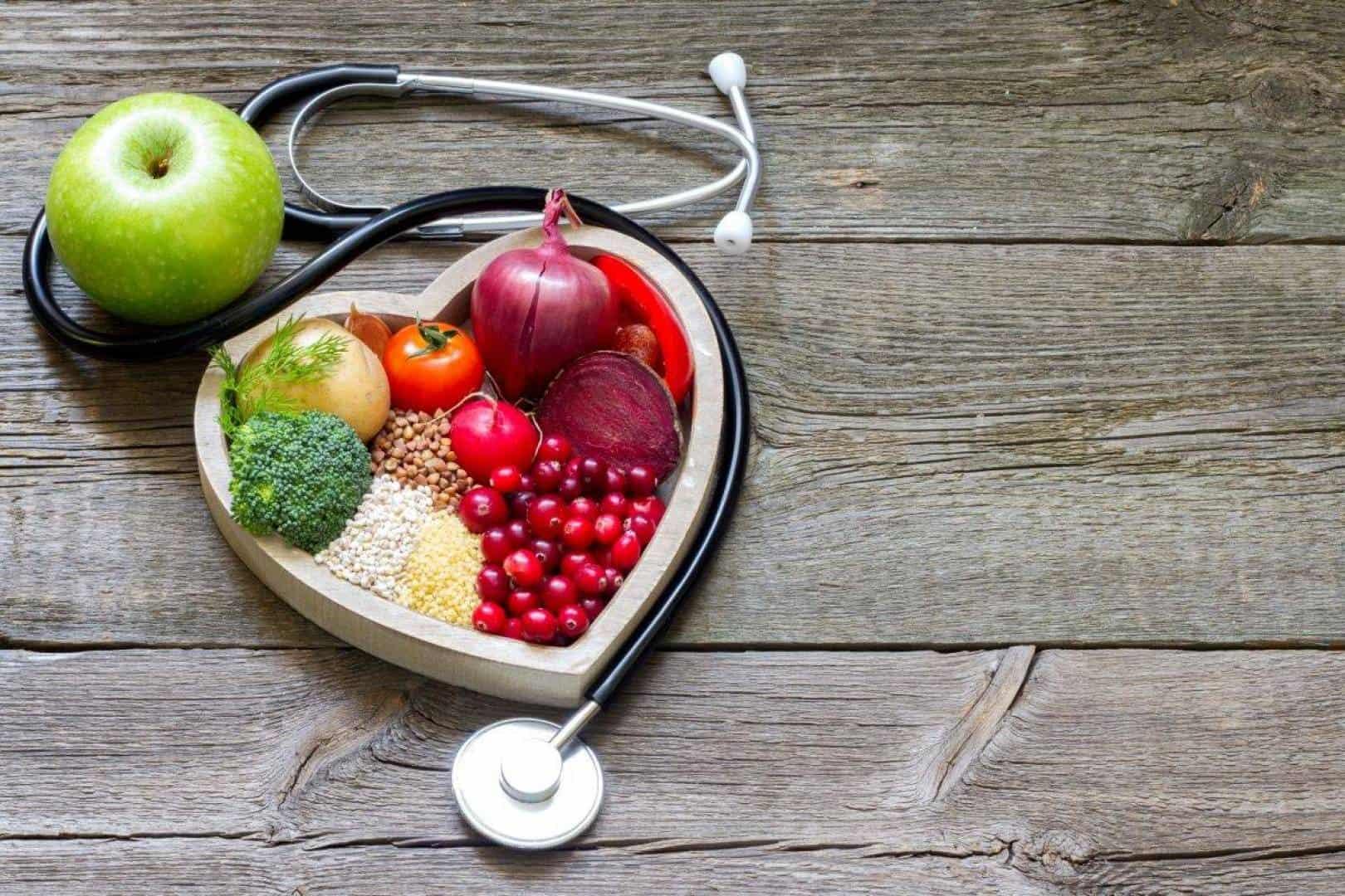 أطعمة ينصح بتناولها بعد الاصابة بسكتة قلبية