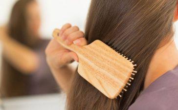 تعرفي إلى أهم أسباب تساقط الشعر لتفاديها