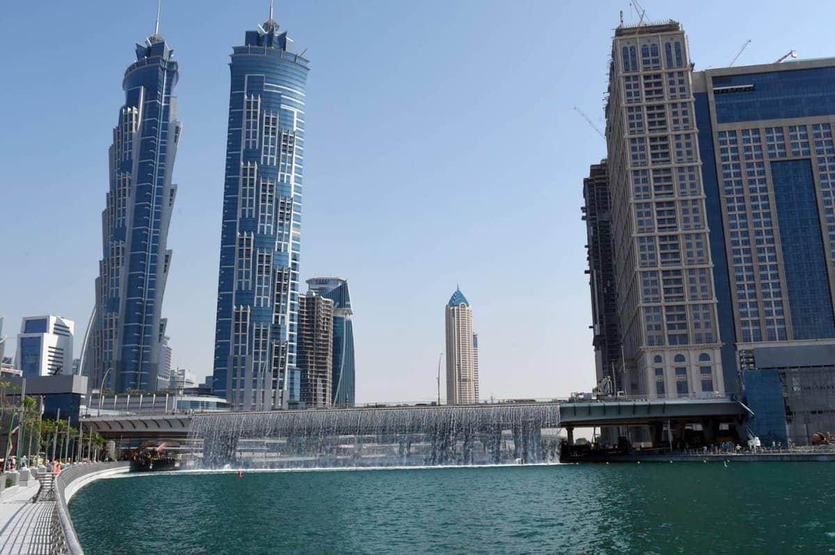 قناة دبي المائية رحلة بحرية في عمق الإمارة
