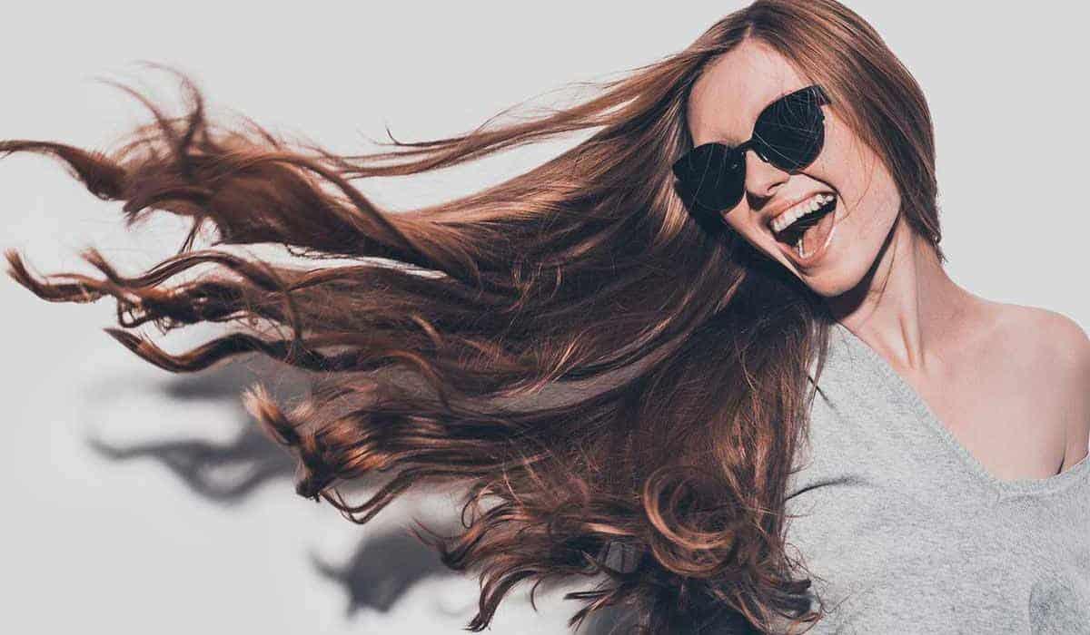 قائمة بأفضل المنتجات التي تعزز نمو الشعر