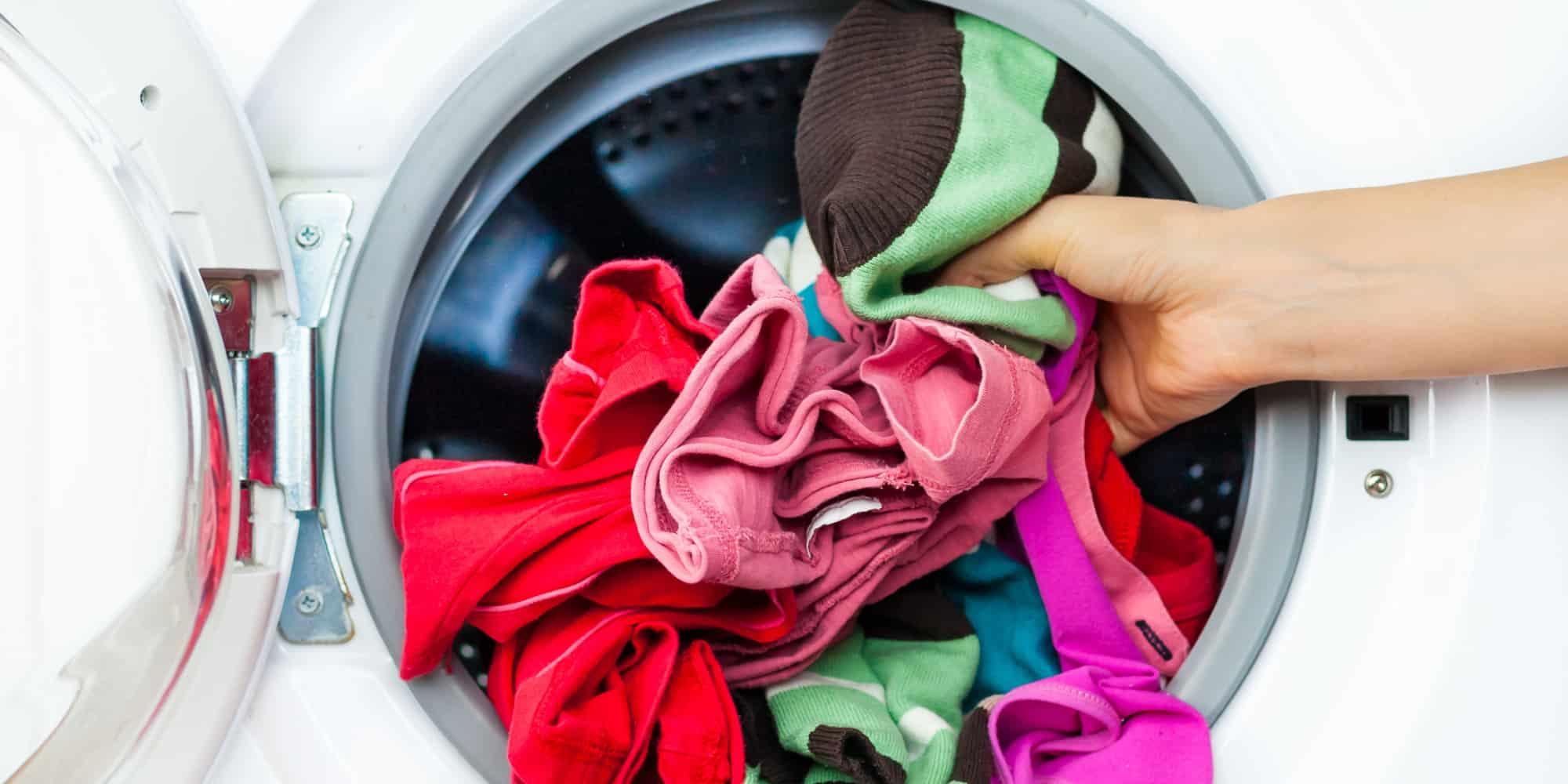 فوائد الخل الأبيض لغسل الملابس