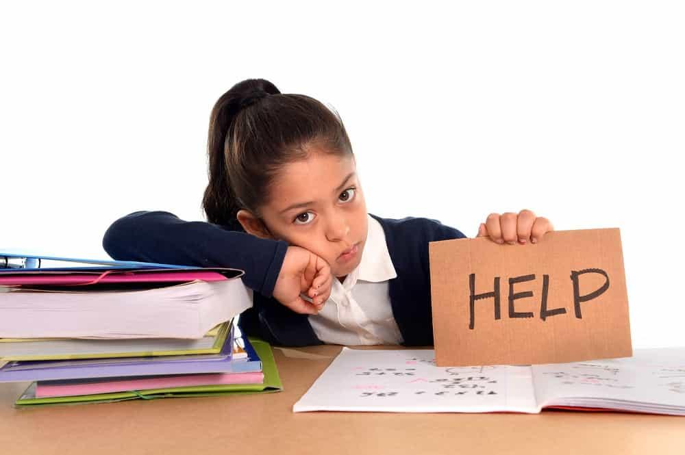 كيف تساعدين طفلك على التحضير للامتحانات