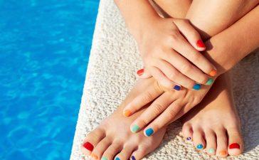 كيف تتخلصين من تشققات القدمين وخلايا الجلد الميت بسهولة؟