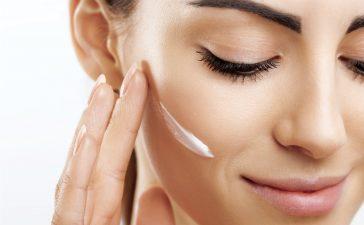 نصائح بسيطة لوقاية بشرتك من التجاعيد وعلامات الشيخوخة