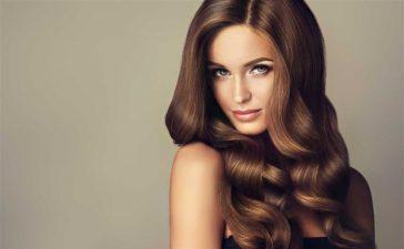خلطات بسيطة وسهلة التحضير لتكثيف الشعر