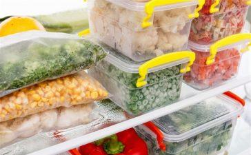 9 أطعمة لا ينصح بتجميدها في الثلاجة