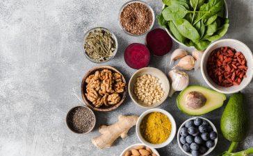 فوائد البيوتين لصحة البشرة والشعر