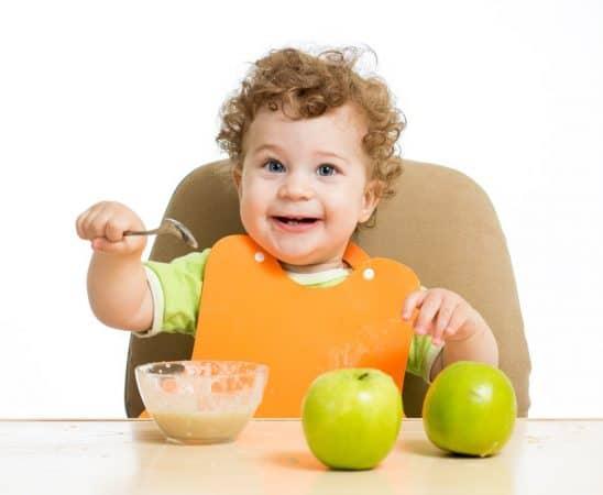 كيف نطعم الطفل خلال السنة الأولى من ولادته
