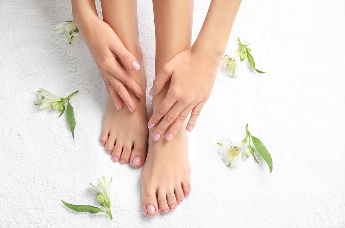 علاجات طبيعية للحد من تعرق القدمين