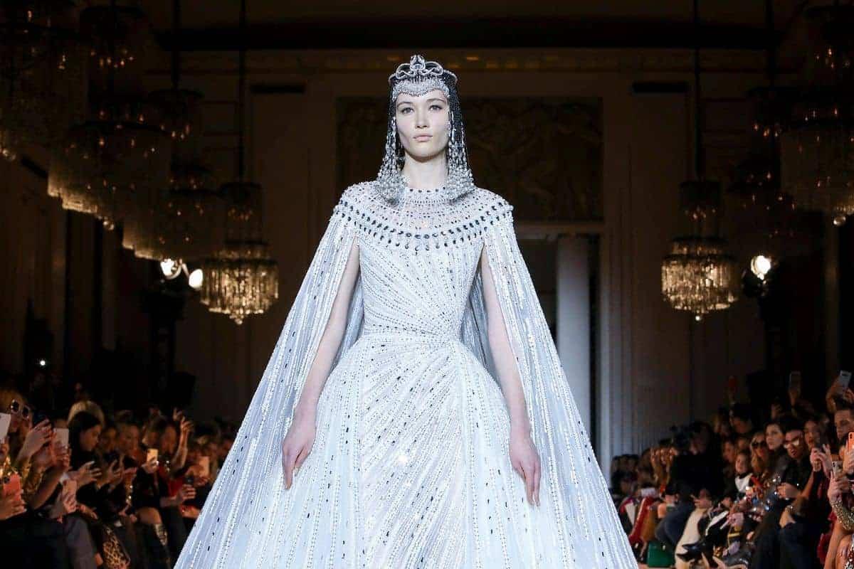 شاهدي أفضل نصاميم الفساتين الكاب اختيار النجمات