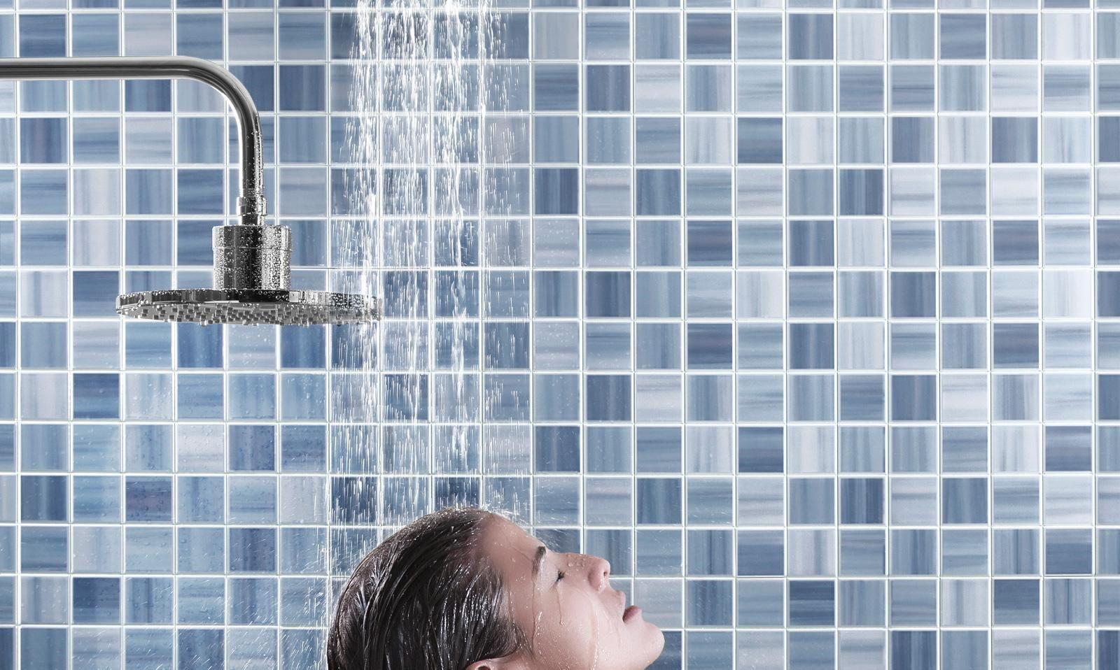 7 فوائد مذهلة للاستحمام بالماء البارد في الصباح