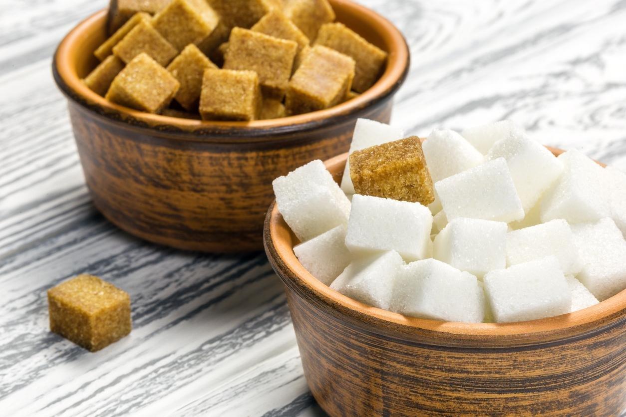 السكر البني والسكر الأبيض
