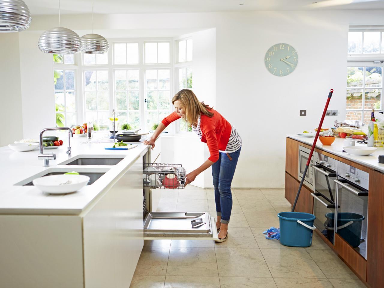 تنظيف في المنزل