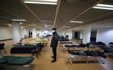 مقر كان السينمائي يتحول إلى مأوى للمتشردين في ظل انتشار وباء كورونا