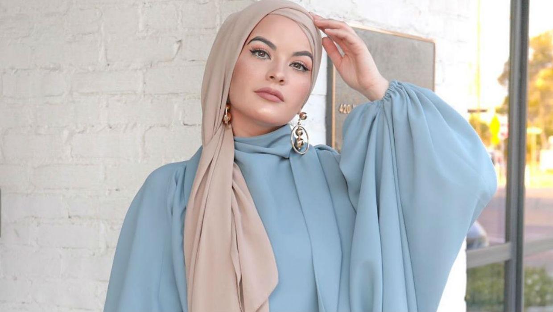 لفات الحجاب الفضفاضة تتصدر موضة المحجبات