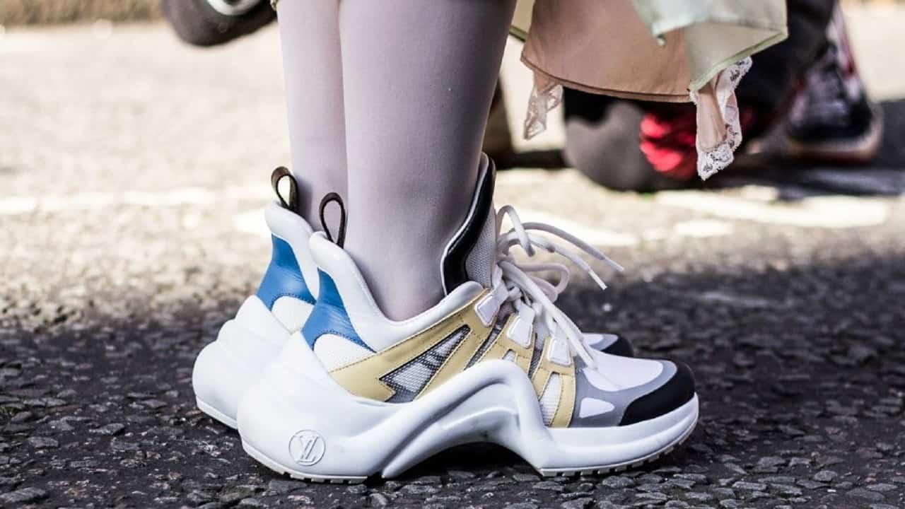 كيفية تنسيق الـ Ugly Sneakers مع إطلالتك