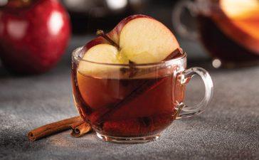 خطوات إعداد شاي بالتفاح والقرفة