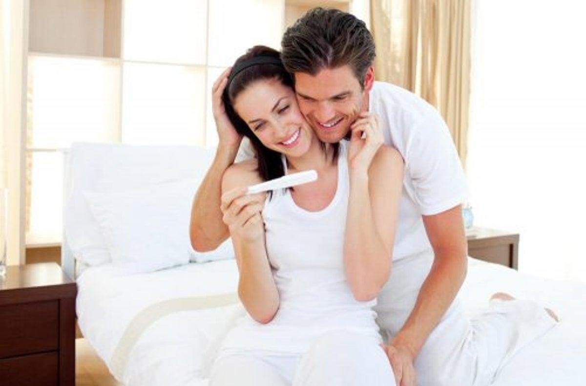 أخبري زوجك أنك حامل بشكل مبتكر