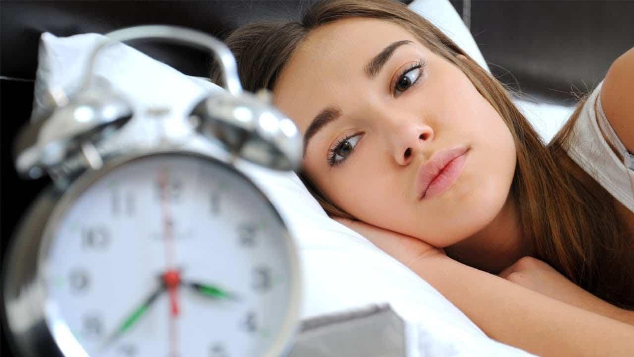 ساعات النوم الموصى بها حسب العمر