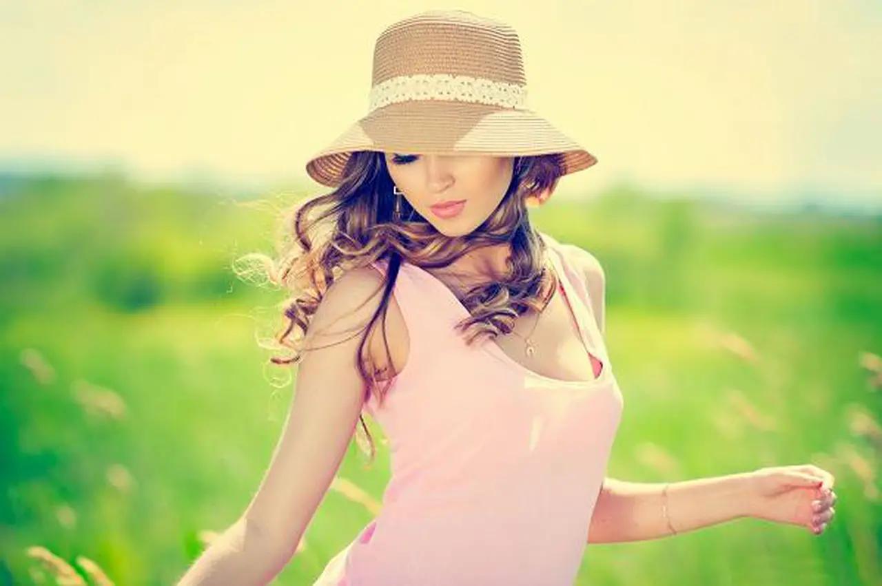دللي شعرك بأفضل مستحضرات الواقية من أشعة الشمس!
