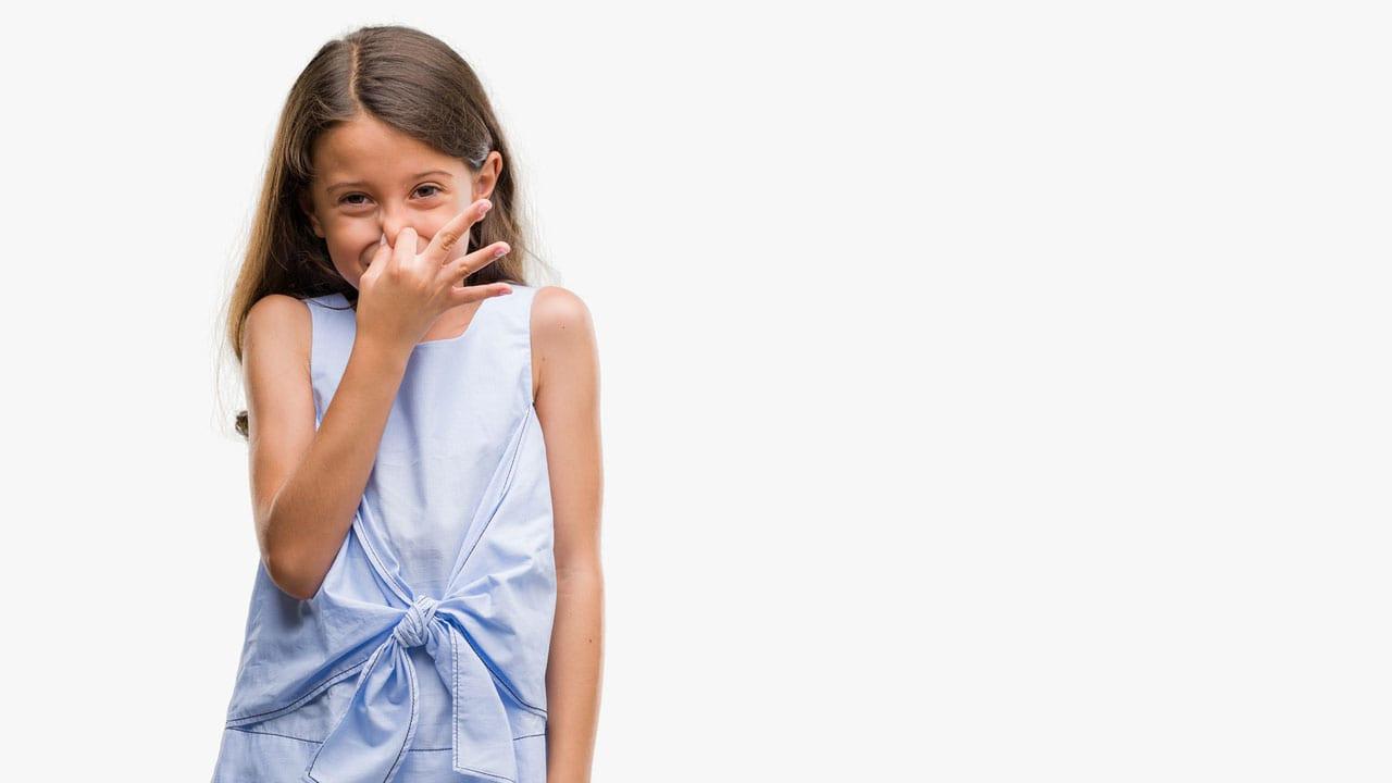 كيف تتعاملين مع رائحة الفم الكريهة عند الأطفال