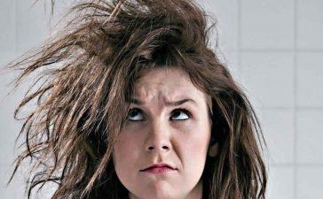 7 نصائح للتخلص من نفشة الشعر في فصل الصيف