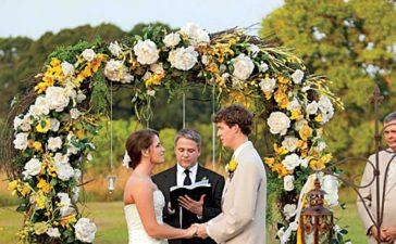 أقواس الورد لحفلات الزفاف