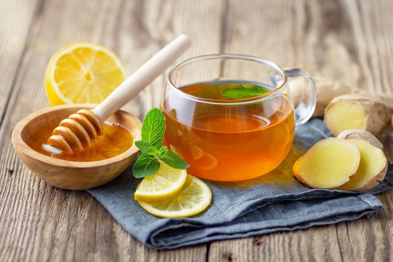 الشاي بالعسل والليمون