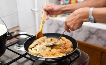 4 حيل للتخلص من روائح الطبخ من المنزل