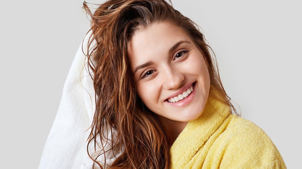 تجعد الشعر بعد الاستحمام